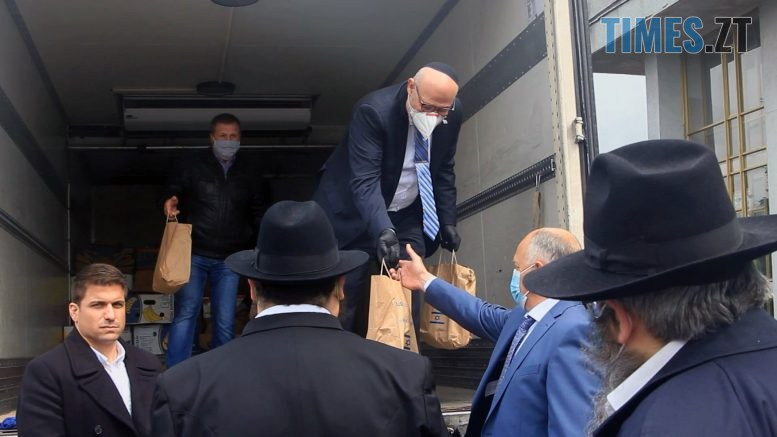 Still1212 00000 3 777x437 - Що і для кого привіз у Бердичів Посол держави Ізраїль в Україні? (ВІДЕО)