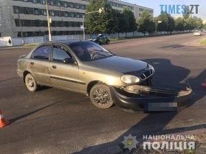 10 04 43 300x225 - У Житомирі потрійна аварія: мотоцикліст протаранив Daewoo, а потім влетів у Volkswagen (ФОТО)