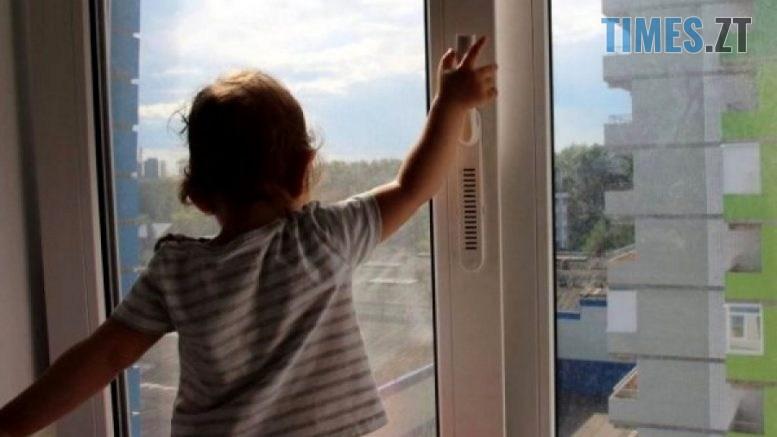 421250 777x437 - У Малині 3-річна дівчинка випала з вікна на 9-му поверсі