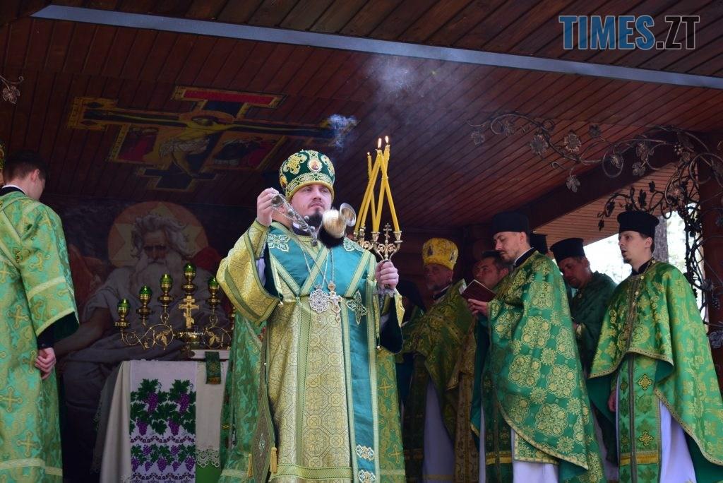 DSC 0183 1024x684 - Святий дух поєднав житомирян у єдиній молитві у Свято-Духівському чоловічому монастирі (ФОТО)
