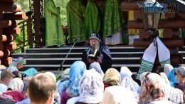 DSC 0217 260x146 - Святий дух поєднав житомирян у єдиній молитві у Свято-Духівському чоловічому монастирі (ФОТО)