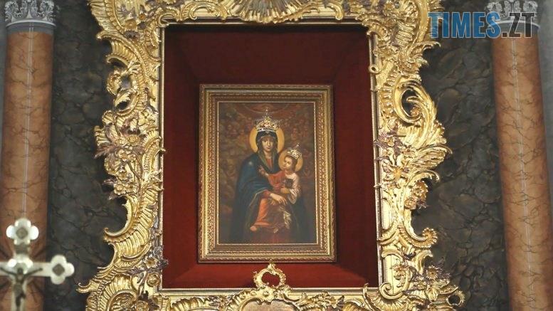 Still1212 00000 6 777x437 - Чи прийдуть до Матері Божої Бердичівської паломники? (ВІДЕО)