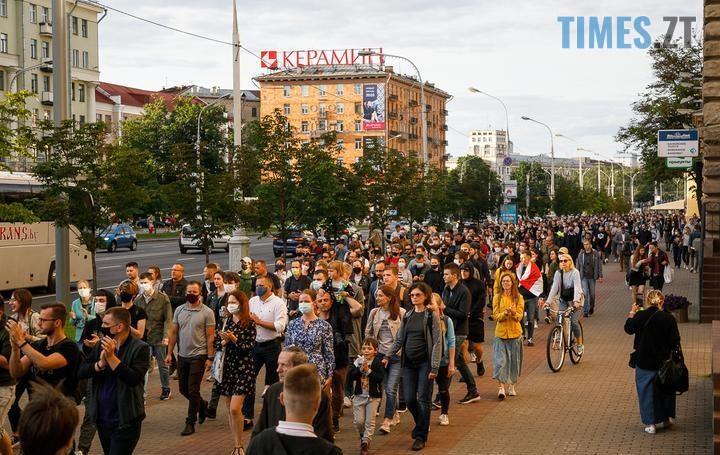 01 2 - «Виборча кампанія» у Білорусі: сотні затриманих. Молодь побилася з ОМОНом (ВІДЕО, ФОТО)