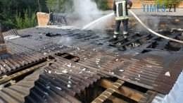 02 2 260x146 - У Бердичівському районі загорівся продуктовий магазин