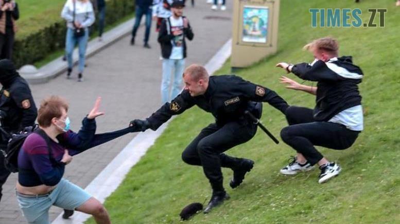 03 3 - «Виборча кампанія» у Білорусі: сотні затриманих. Молодь побилася з ОМОНом (ВІДЕО, ФОТО)