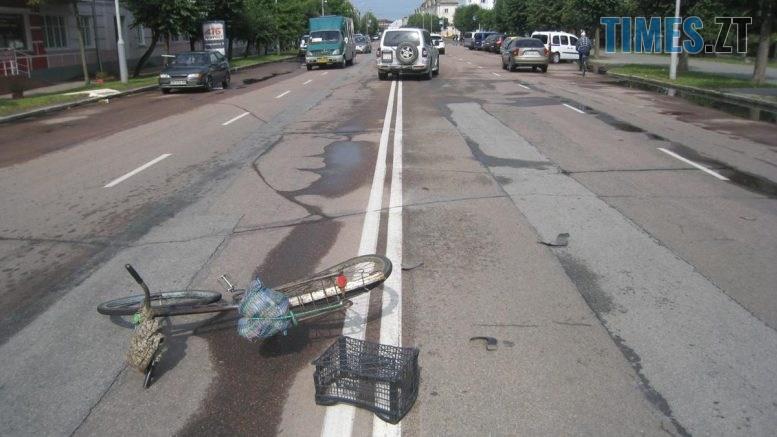 1  777x437 - У Бердичеві поліцейські встановлюють обставини травмування 80-річного велосипедиста (ФОТО)