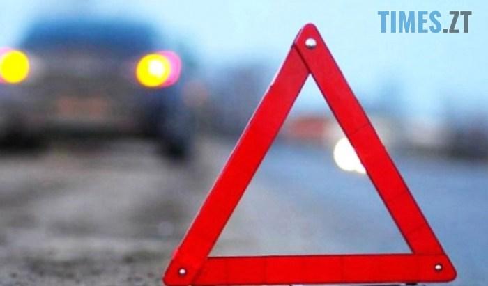 2593231 - У Житомирі підліток на мопеді протаранив Subaru, хлопець у лікарні (ФОТО)