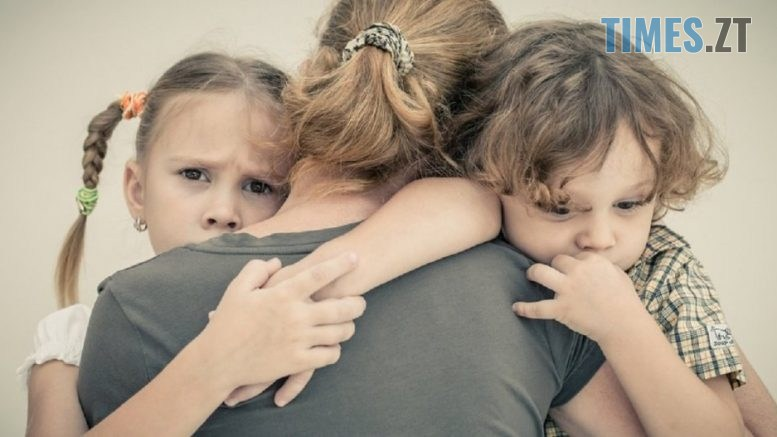 330de5e kids mom 1024x527 1 777x437 - Матерям-одиначкам, які працюють неофіційно, перестануть надавати допомогу від держави