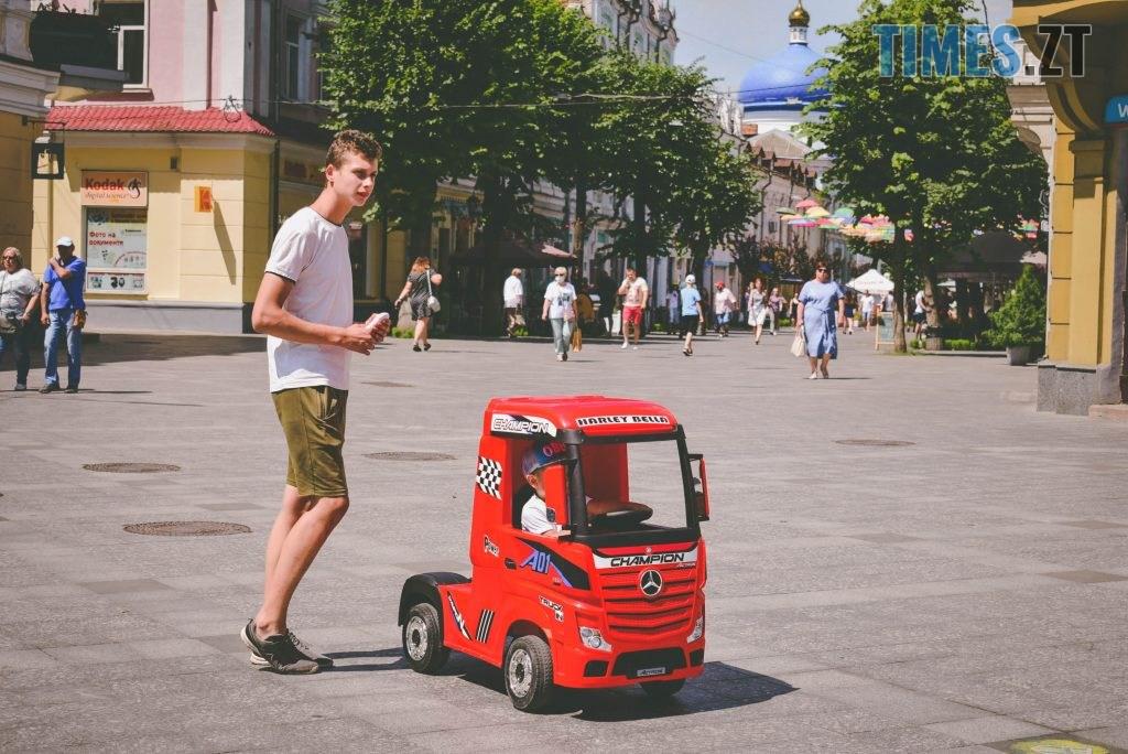 DSC 0422 1024x684 - Спекотний понеділок у Житомирі (ФОТО)