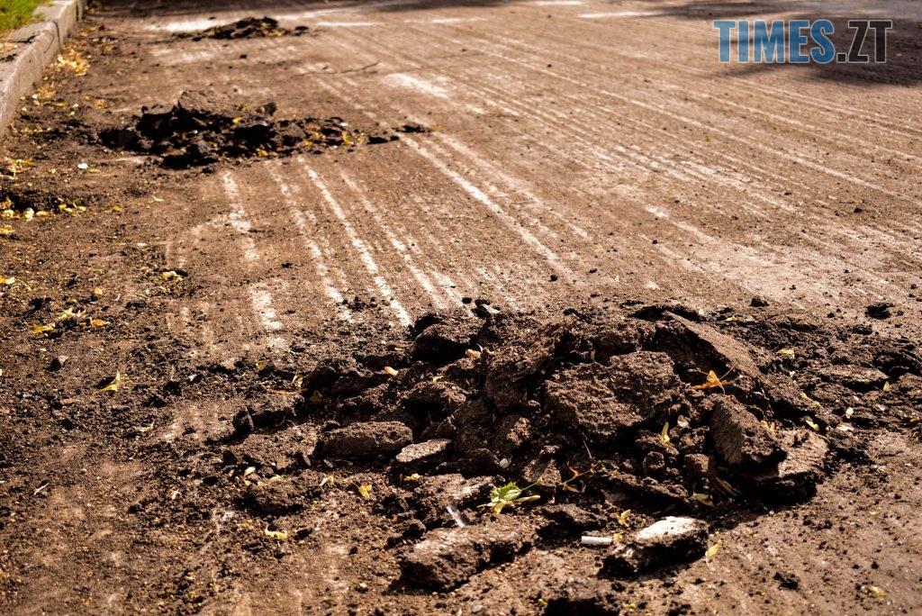 DSC 0639 1024x684 - У Житомирі готуються до завершення ремонту асфальту на Чуднівському мосту (ФОТО)