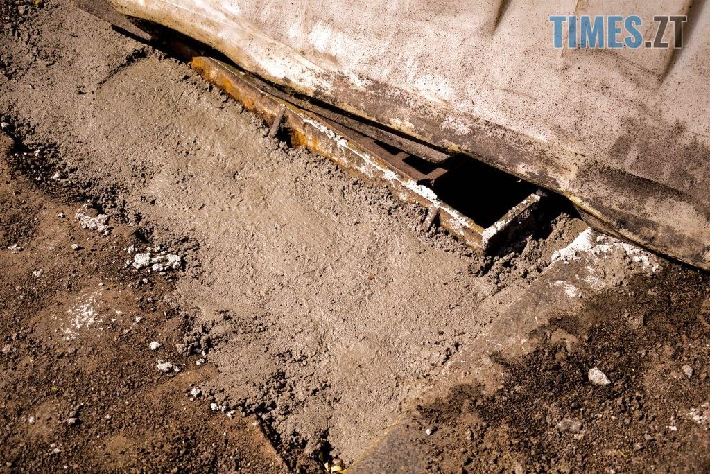 DSC 0650 1024x684 - У Житомирі готуються до завершення ремонту асфальту на Чуднівському мосту (ФОТО)