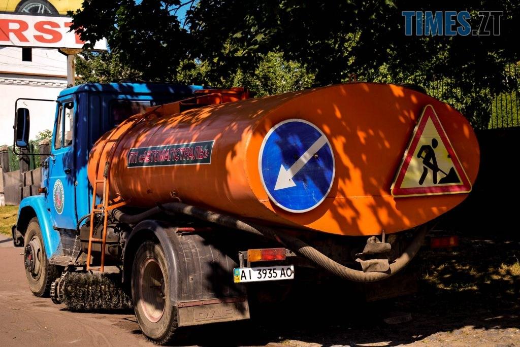 DSC 0651 1024x684 - У Житомирі готуються до завершення ремонту асфальту на Чуднівському мосту (ФОТО)