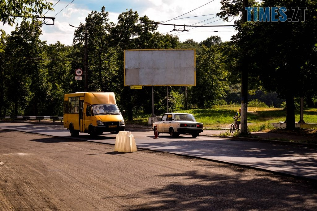 DSC 0659 1024x684 - У Житомирі готуються до завершення ремонту асфальту на Чуднівському мосту (ФОТО)