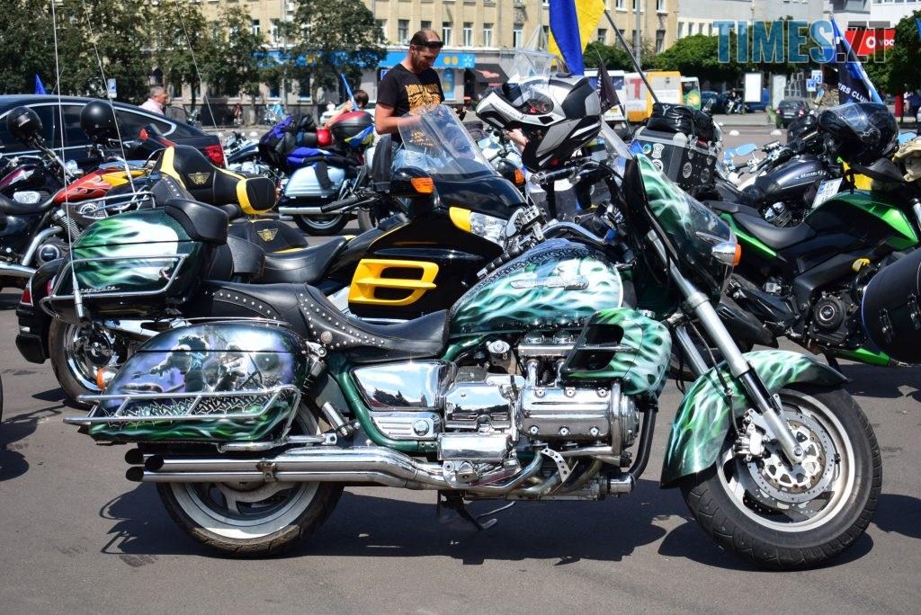 """DSC 0686 1024x684 - Гучний рев моторів, сучасні біти та косухи - в Житомирі відбувся """"Мотопробіг єдності 2020"""" (ФОТО) (ВІДЕО)"""