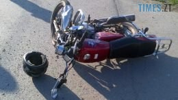 DTPmoto 260x146 - У райцентрі Житомирської області мотоцикліст влетів у бетонний стовп і загинув