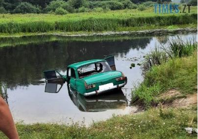 """Screenshot 2 20 - У Коростенському районі автівка """"вилетіла"""" у річку, загиблого керманича витягли рятувальники"""