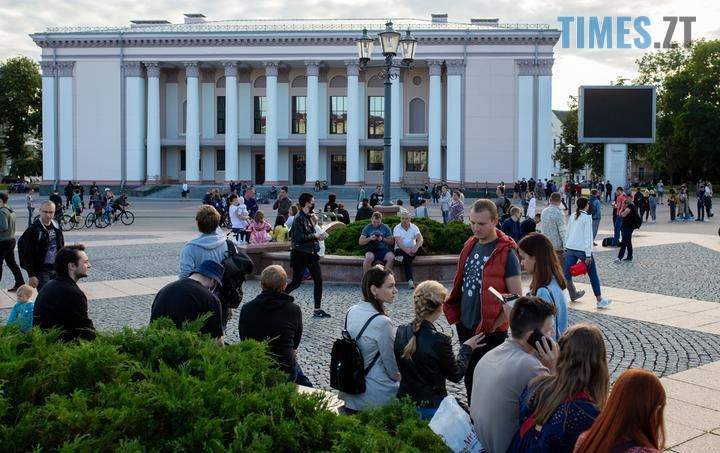 hrodno - «Виборча кампанія» у Білорусі: сотні затриманих. Молодь побилася з ОМОНом (ВІДЕО, ФОТО)