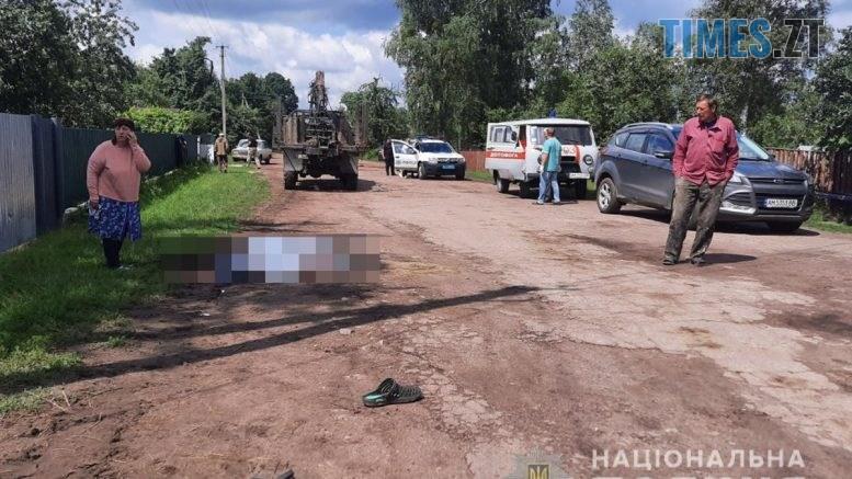 index3  1 777x437 - Житель одного з населених пунктів Житомирщини потрапив під колеса вантажівки (ФОТО)