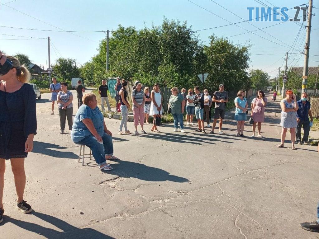 photo5235506855869001484 1024x768 - У Житомирі протестуючі вимагають врегулювати рух по «кривавому» провулку Комунальному