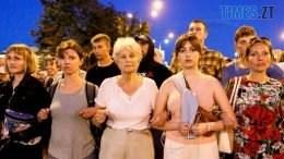 01 260x146 - Тактика білоруської Площі: виходять щовечора пішки і на авто, без наметів. Є перші загиблі (ВІДЕО)
