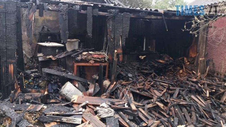 01 4 777x437 - У райцентрі Житомирщини через замикання електропроводки загорівся приватний будинок