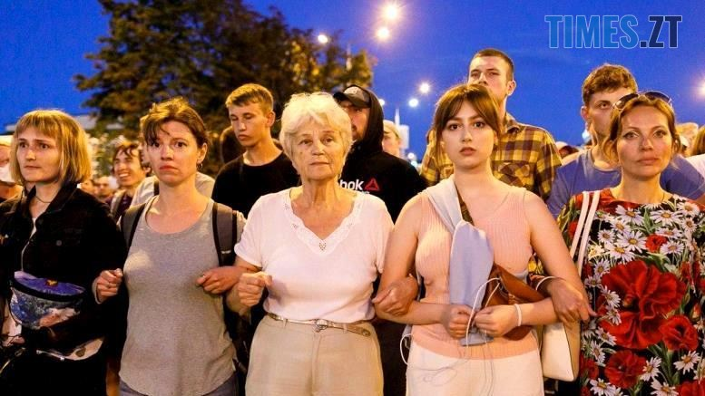 01 - Тактика білоруської Площі: виходять щовечора пішки і на авто, без наметів. Є перші загиблі (ВІДЕО)