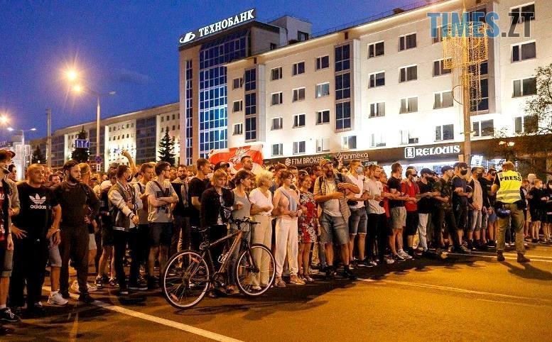 02 2 - Тактика білоруської Площі: виходять щовечора пішки і на авто, без наметів. Є перші загиблі (ВІДЕО)