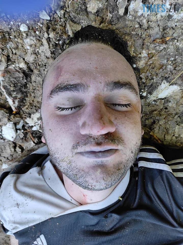 117972147 639225380051770 1248122702010862440 n - Посеред дороги між селами знайшли труп людини, жителів Житомирщини закликають упізнати померлого (ФОТО 18+)