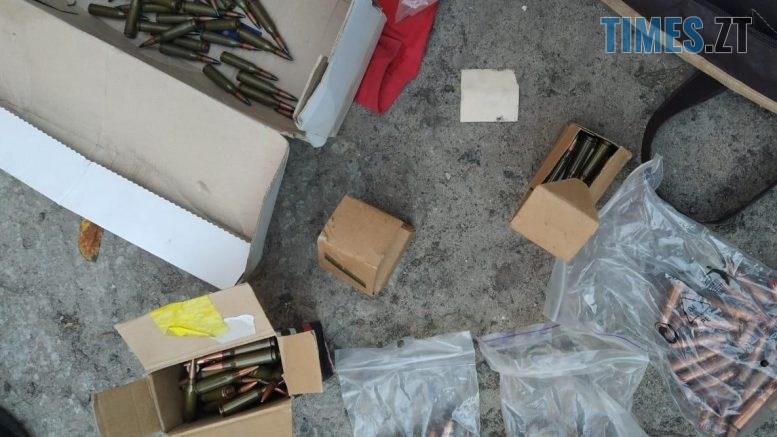 17.26.37 777x437 - Житомирщина: у помешканні жителя райцентру виявили цілий арсенал зброї