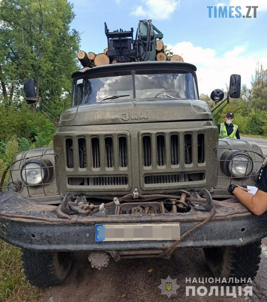 260820 2 903x1024 - «Не фортануло»: поліція затримала двох жителів Житомирщини, які хотіли незаконно вивезти деревину