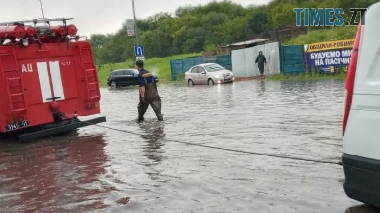 4b596e5a07bdcb72b967d54cbb0f7635 777x437 - Через сильну зливу Житомир перетворився на Венецію (ВІДЕО)