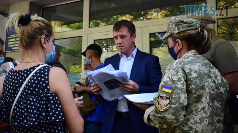 DSC 0059 777x437 - Процес пішов: атовці, ветерани війни, сім'ї загиблих та соціально незахищені жителі Житомирщини отримали накази на земельні ділянки (ФОТО)
