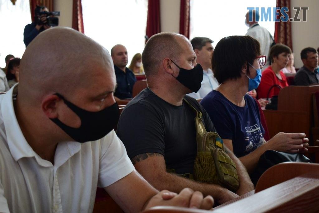 DSC 0340 1024x684 - Військовослужбовцям Житомирщини вручили грошову компенсацію на придбання житла (ФОТО)