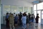 DSC 0543 150x100 - За гроші і без дистанції: у Житомирській обл поліклініці відвідувачі «окупували» реєстратуру (ФОТО)