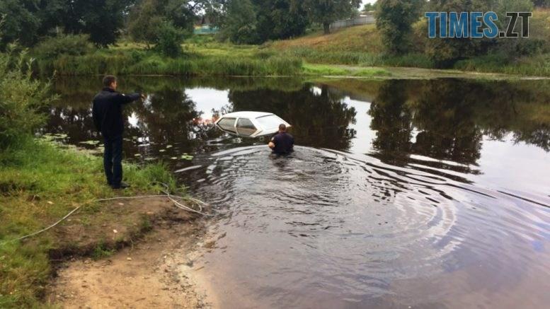 IMG a5f7d44f38de0ffe1feb2d0e38f350cf V 777x437 - В Олевську рятувальники дістали з річки «Таврію», водійка не поставила авто на «ручник»