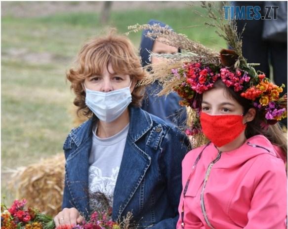 IMG 20200830 133834 - На Житомирщині відбувся ягідний фестиваль, де спекли рекордний 2-метровий пиріг