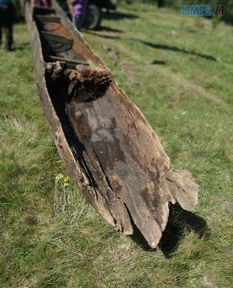 Screenshot 8 1 - На Житомирщині виявили дивовижну старовинну знахідку - дев`ятиметровий древлянський човен (ФОТО)
