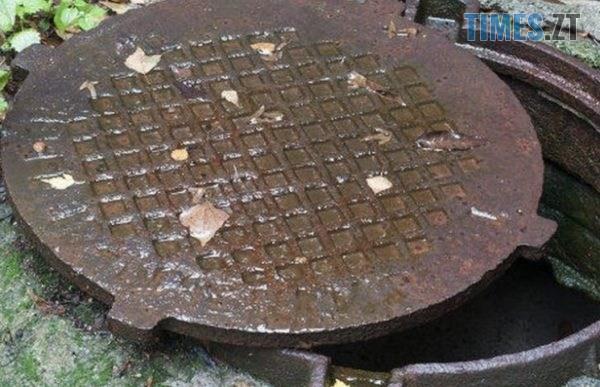 lyuk 600x387 1 - Тіло чоловіка, якого розшукували на Житомирщині, знайшли в каналізаційному колодязі