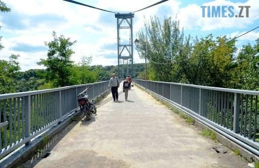 unnamed 1 3 - Житомир: з підвісного мосту в парку ім. Гагаріна стрибнув чоловік