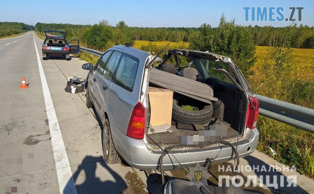 09 37 54 1024x634 - На трасі в Житомирській області в жахливій ДТП загинув пасажир легковика (ФОТО)