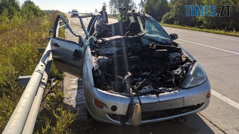 09 37 542 777x437 - На трасі в Житомирській області в жахливій ДТП загинув пасажир легковика (ФОТО)
