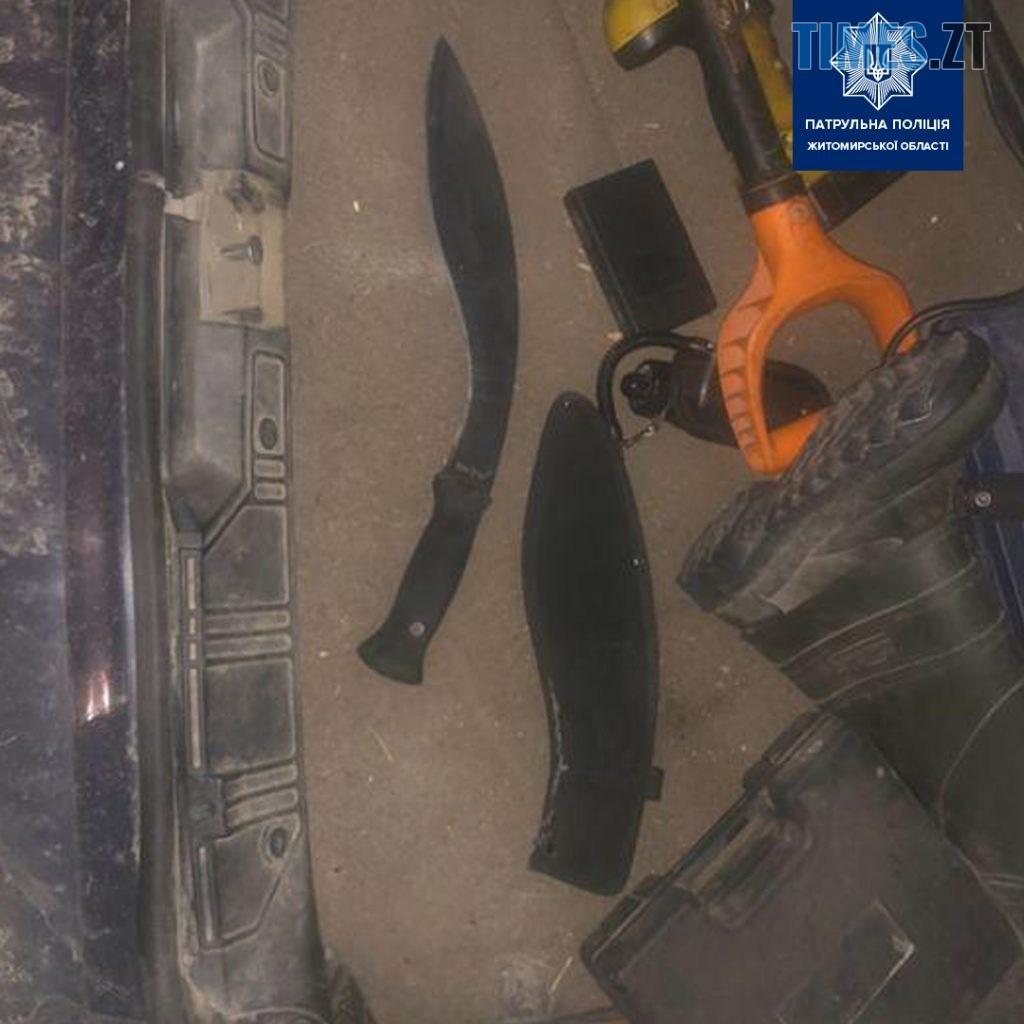 118841092 1254421191560984 1490047305976824021 o 1024x1024 - У Житомирі патрульні зупинили водія-порушника і знайшли в нього пістолет та ніж