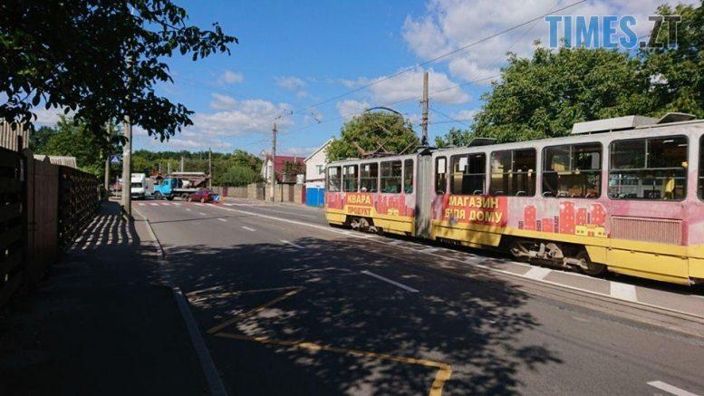 """119066727 312395416730154 2276184902161375427 n e1599644025539 - Житомир: на Хінчаці Lanos протаранив """"ЗІЛ"""", рух трамваїв заблоковано (ФОТО)"""