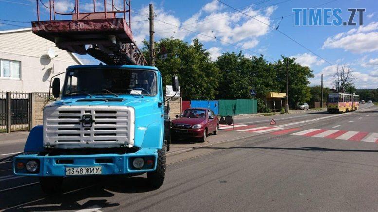 """119070536 967690313710369 4451289548884307888 n e1599644073735 - Житомир: на Хінчаці Lanos протаранив """"ЗІЛ"""", рух трамваїв заблоковано (ФОТО)"""
