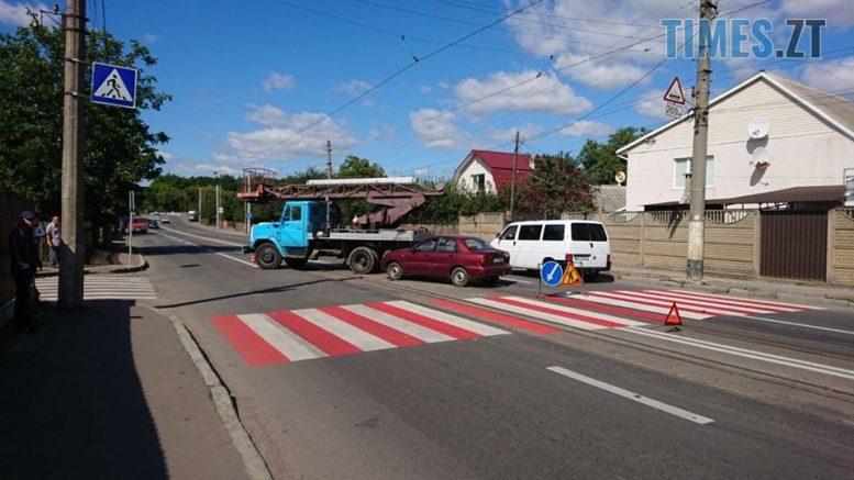 """119122947 613153145980418 283062591300658701 n e1599644111919 - Житомир: на Хінчаці Lanos протаранив """"ЗІЛ"""", рух трамваїв заблоковано (ФОТО)"""