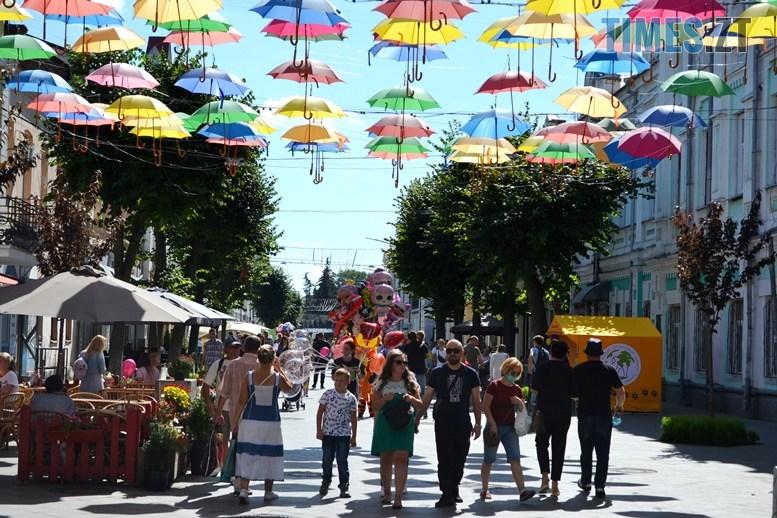 12 - «День житомирянина»: у місті працює лише один фонтан – там, де має «засвітитись» Сухомлин (ФОТО)