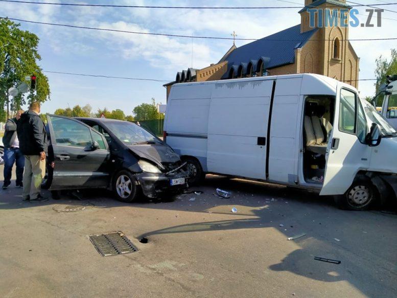 120118673 3525267317525074 917711065098966437 n e1600939316594 - У Житомирі потрійна аварія неподалік частини ГУ ДСНС, рух траспорту обмежено (ФОТО)