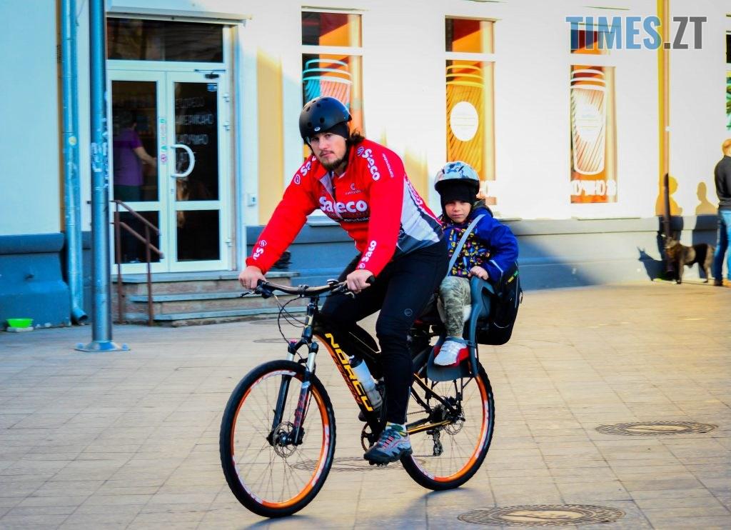 DSC 0313 1 1024x742 - «Обіцяного чекають 3 роки?»: поки міська влада бездіє, житомиряни самотужки підготували план розмітки для велосипедистів (ФОТО)