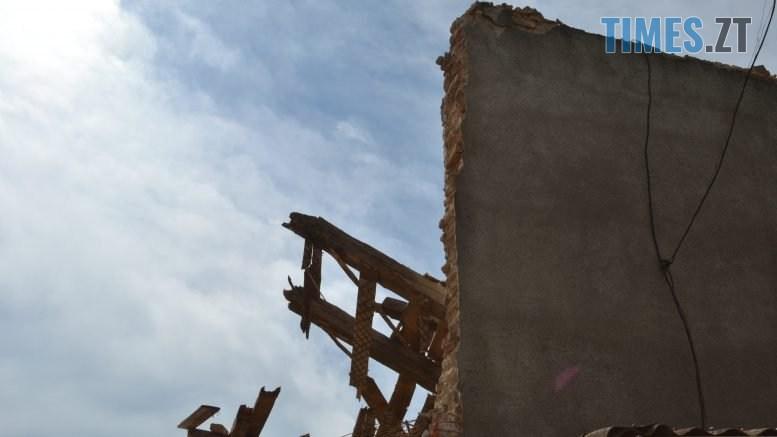 """DSC 0700 777x437 - """"Знання"""" падають на голову: як у Житомирі зносять вечірню школу (ФОТО) (ВІДЕО)"""