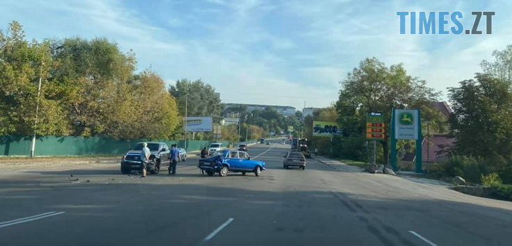 Screenshot 2 15 - На Бердичівському мосту в Житомирі частково обмежено рух через аварію (ВІДЕО)